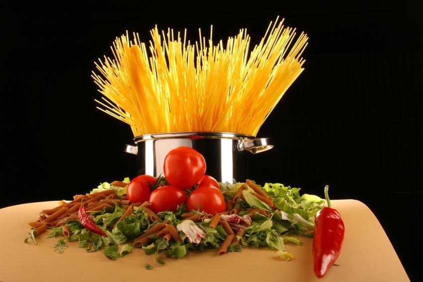 Mediterrane Diät schützt Knochen und Muskeln