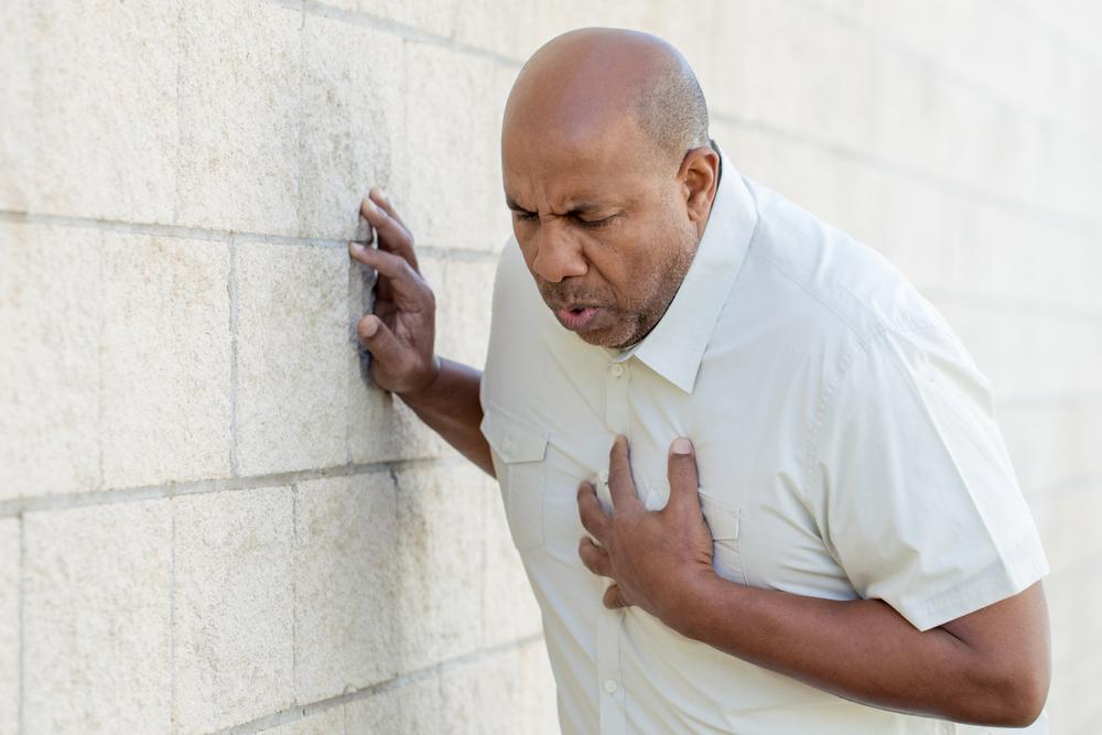 Mann erleidet Herzinfarkt