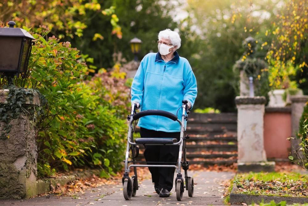 Warum besonders Senioren diesen  COVID-19-Risikofaktor kennen sollten
