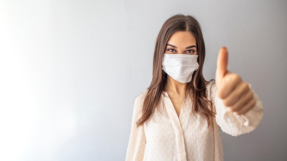COVID-19: Wie sicher schützen Gesichtsmasken wirklich?